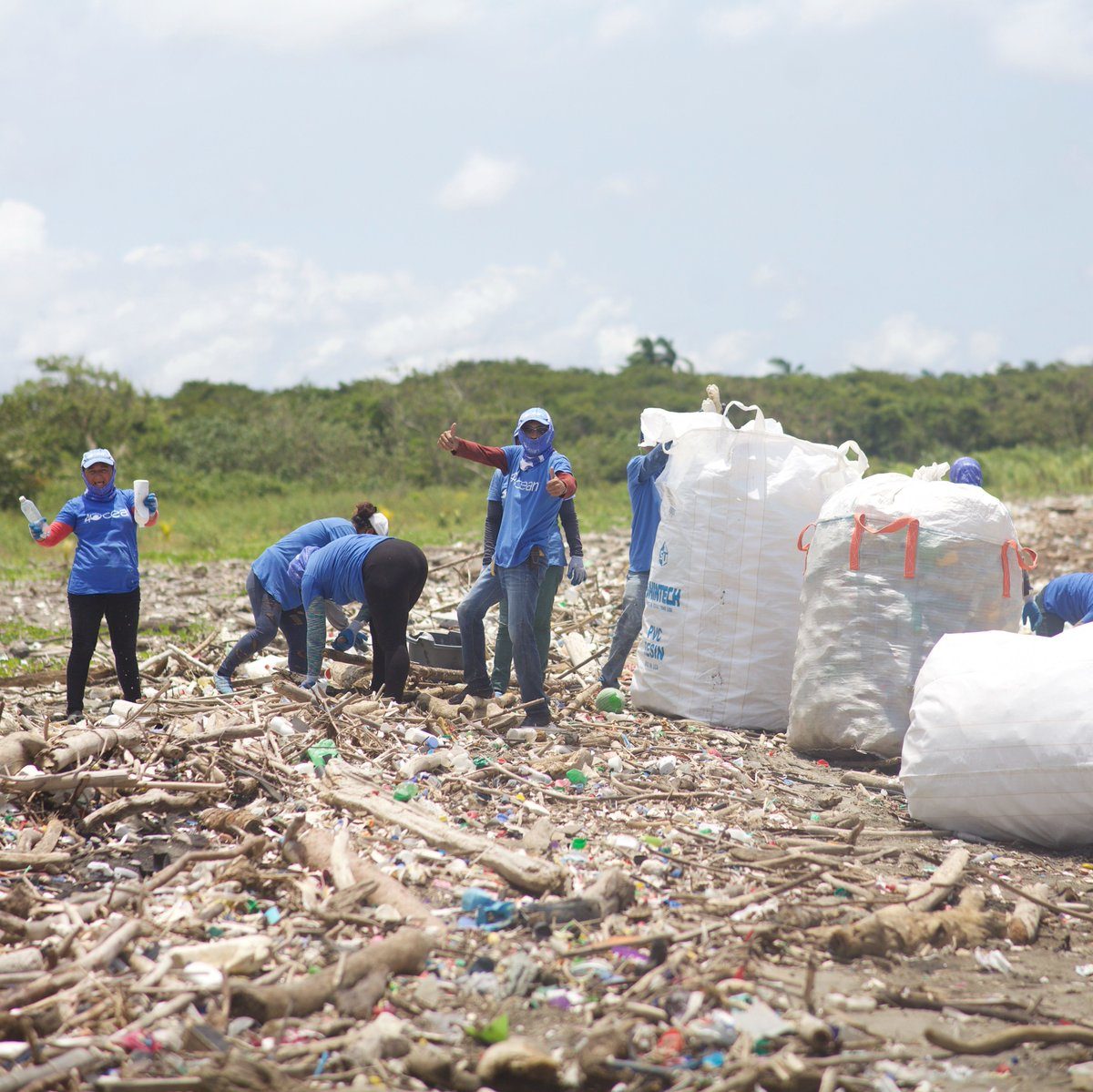 Team Guatemala has officially recovered 1️⃣ million pounds of trash! Our professional cleanup crews have been recovering trash from the ocean, rivers, and coastlines in Guatemala since August 24th, 2020 and they just officially pulled their 1 MILLIONTH pound!