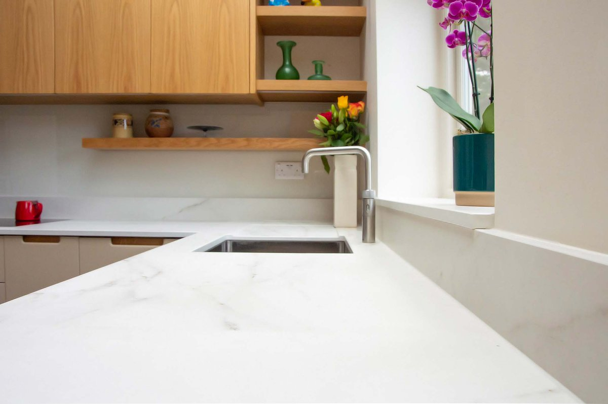 Highlighting @Dekton's worktop from their Natural Collection Rem, and @BORAGmbH's X Pure hob we used on our St. Margaret's Kitchen. #interiordesign #interiors #kitchendesign #kitcheninspiration #design #kitchen #worktop #hob