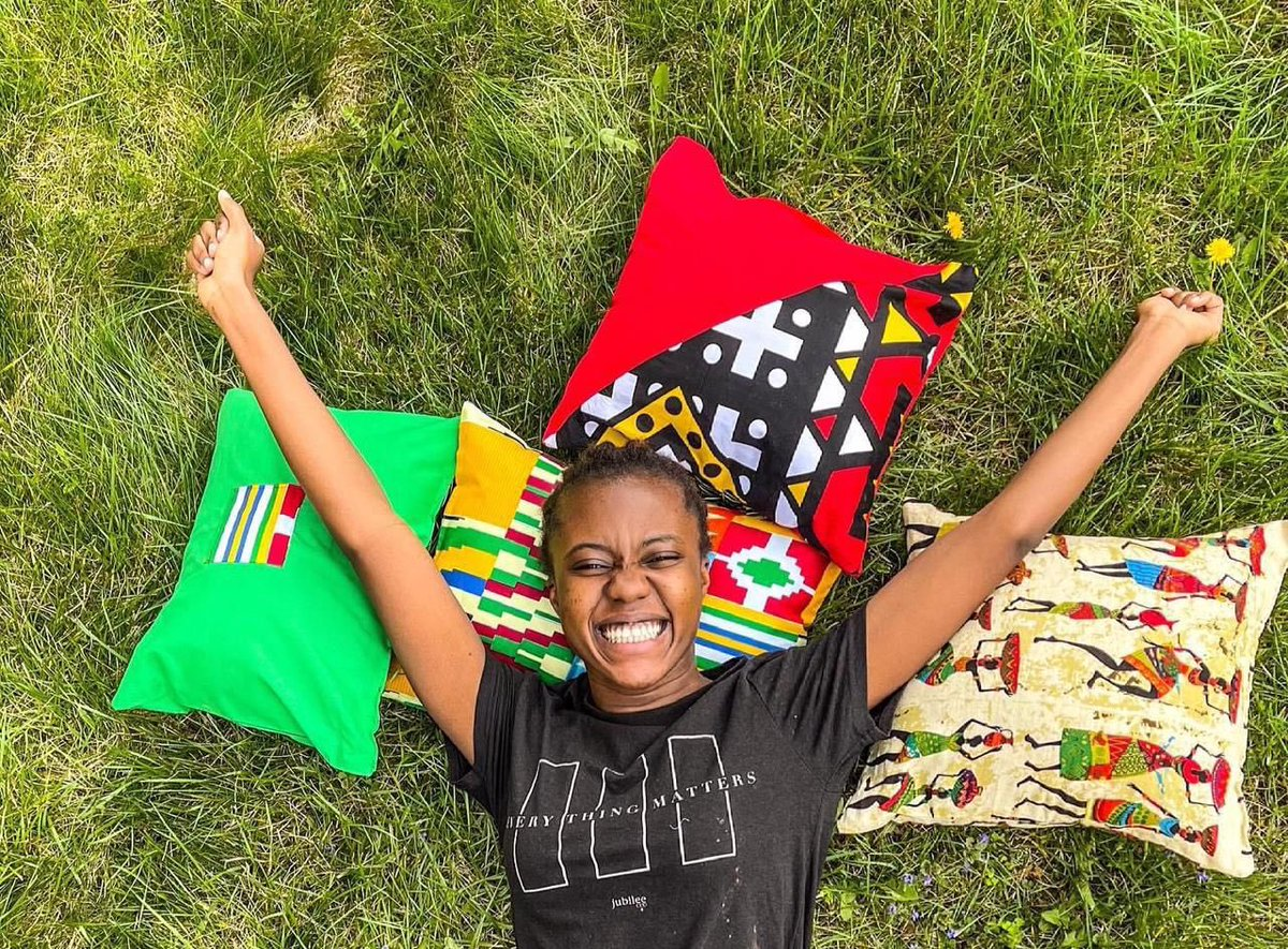 Just a young lady with an ardent love for African home accessories.  Happy New Week! #entrepreneurlife #MondayFunday