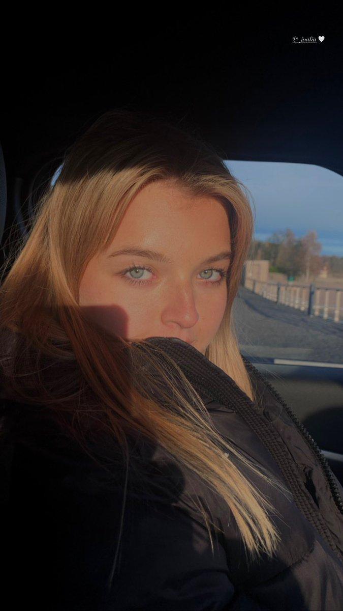 Alessia | Instagram Stories (alessianavarrom)  Esses olhos! 💜 https://t.co/KXJ9DnTRhg