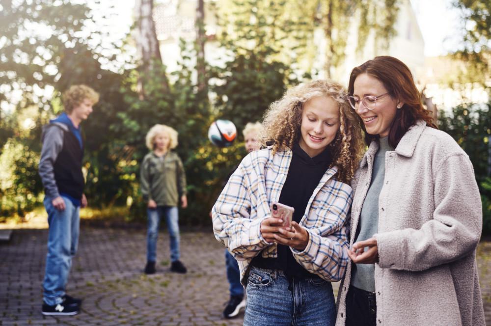Telia med trygghetsforsikringen Nettslett i alle mobilabonnement https://t.co/jNVWEazWkM https://t.co/s8F4s9OhAf