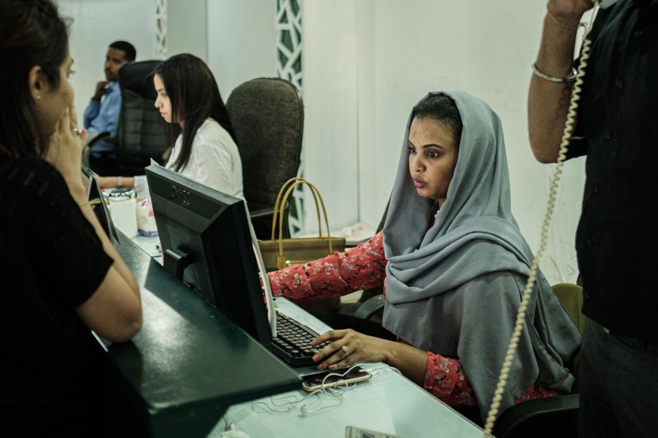Digital Gender Gap Costs Nations Billions, Claims Web Inventor's Foundation