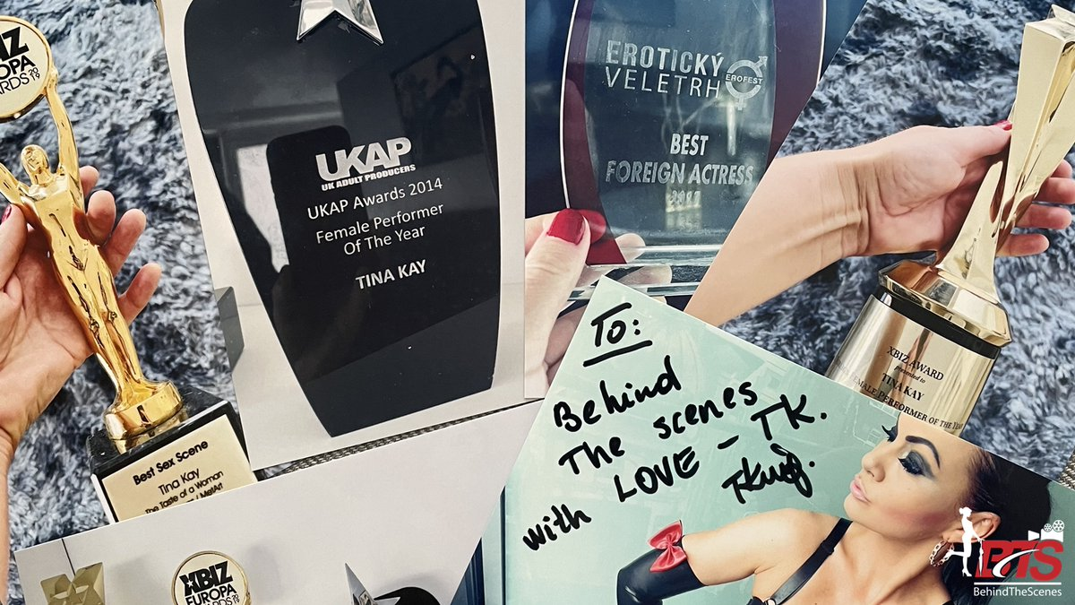 🔞#BehindTheScenes📽️#BehindTheAwards🏆 🇫🇷 Venez découvrir en exclusivité la collection des trophées du X de la star mondiale du #porno @TinaKayxxx gagnés entre 2014 & 2020 🇬🇧 Discover the #porn awards' collection from international #pornstar #TinaKay 💻Behind-The-Scenes.fr/tina-kay-award…