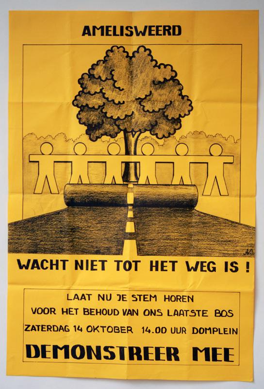 Amelisweerd wijken voor asfalt? Dat mag niet gebeuren, vinden UU-studenten Merel de Koning en Lianne Suurenbroek. Op 14 oktober protesteren studenten met een mars vanaf het Domplein  tegen de kap van het bos. Net als 43 jaar geleden. @AmelisweerdG https://t.co/nPWgd13cid