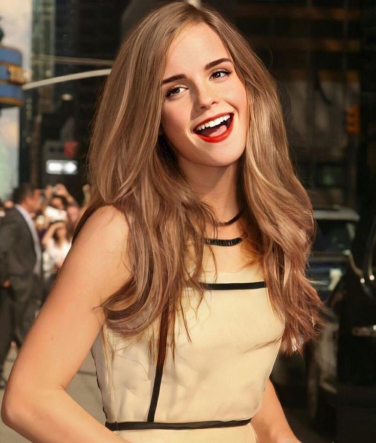 Emma Watson ve Bonnie Wright, Harry Potter filmlerinde ilk profesyonel oyunculuk rollerini üstlendiler.