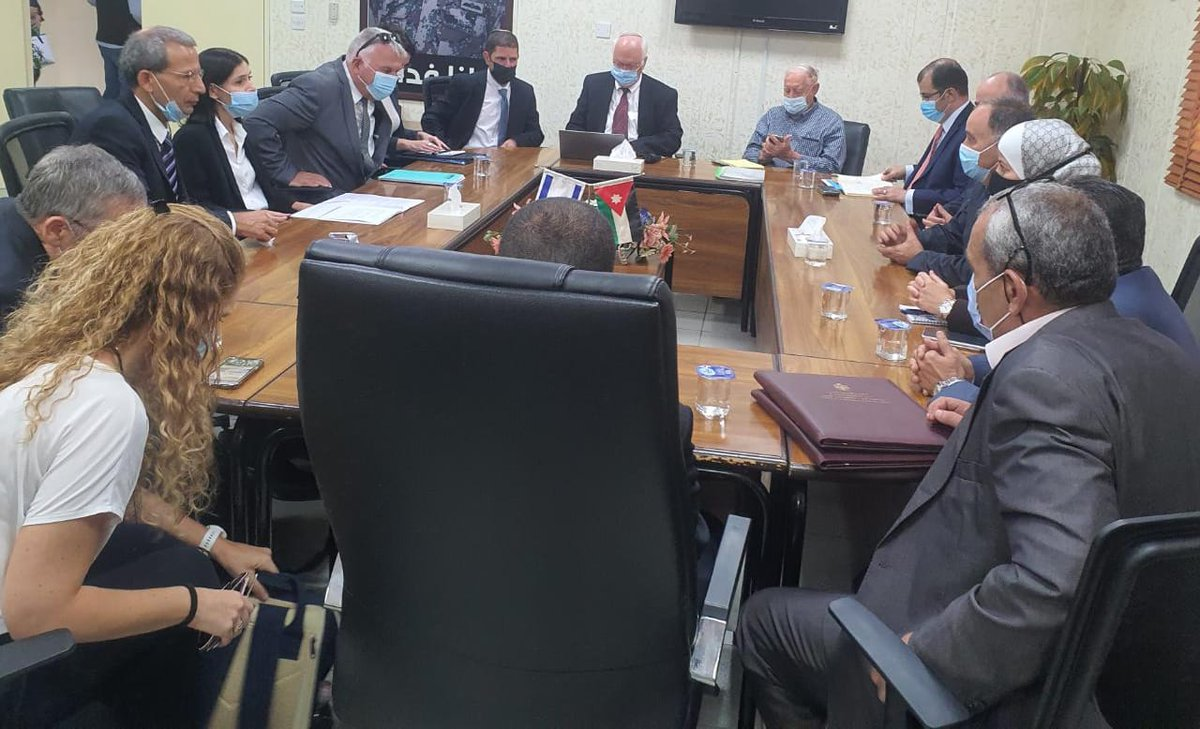 رحب وزير الخارجية يائير لبيد بتوقيع اتفاقية بين اسرائيل و الاردن   يمكن