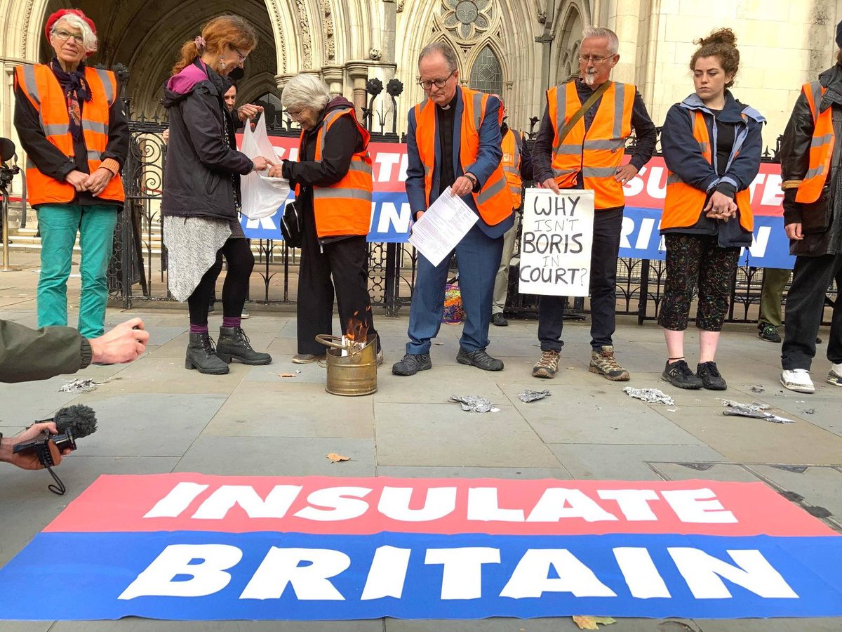 """‼️""""The Government should be in court not Insulate Britain""""‼️ Latest press release 👇👇 insulatebritain.com/breaking-the-g… @10DowningStreet @BorisJohnson #InsulateBritain #LevellingUp #savelives #getonwiththejob"""
