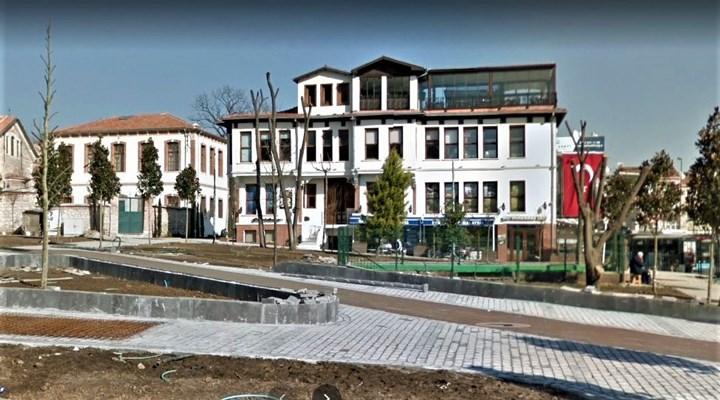 İBB, AKP döneminde TÜGVA'ya 25 yıllığına bedelsiz olarak tahsis edilen Edirnekapı'daki binanın tahliyesi için işlem başlattı.