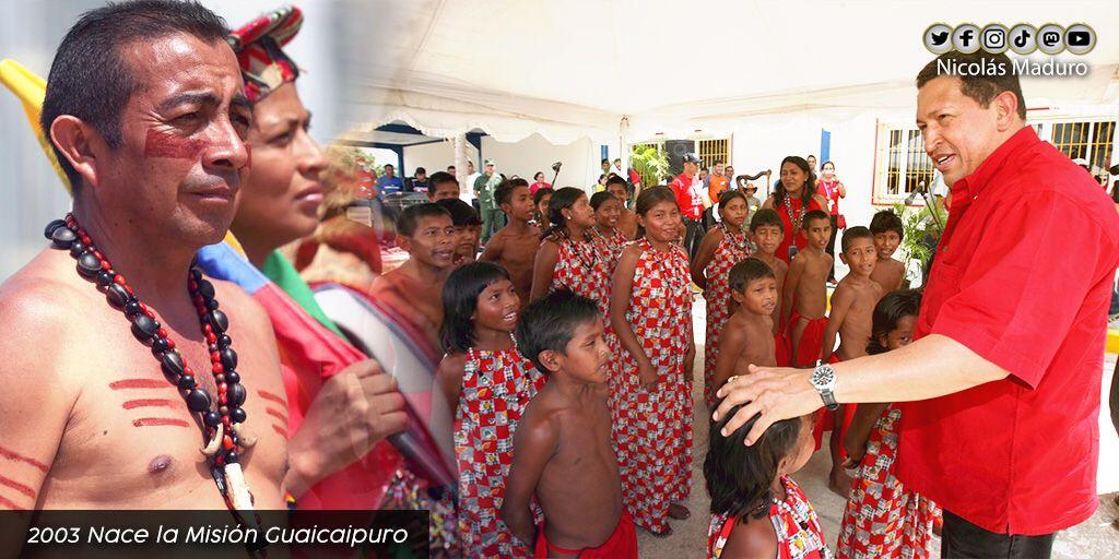 @NicolasMaduro's photo on Chávez
