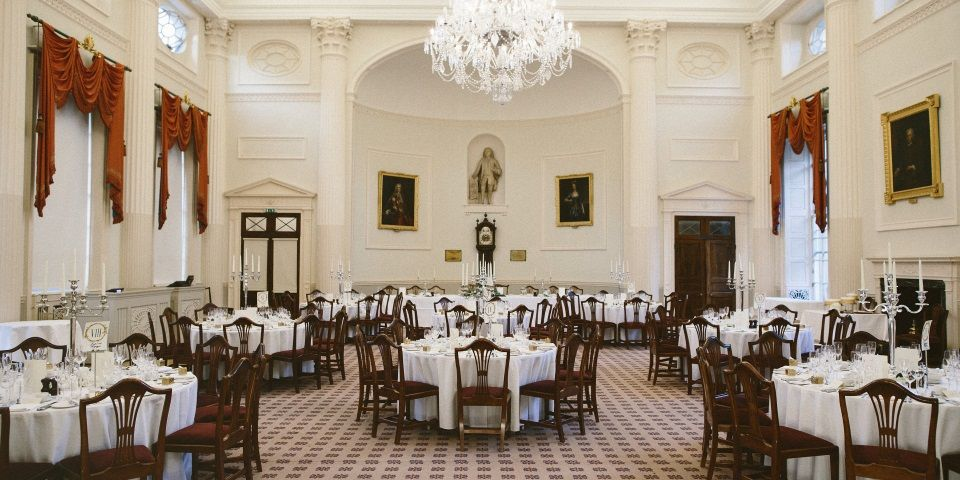Seven places to eat in Bath if you love Jane Austen 🍴 https://visitbath.co.uk/blog/seven-places-to-eat-in-bath-if-you-love-jane-austen/