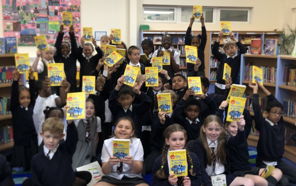 Year 4 were super excited to each receive their very own copy of the new #marcusrashfordbookclub book to take home and read! 👏🏽#readingforpleasure thanks to @MarcusRashford @MacmillanKidsUK @magic_breakfast @StAnnesgaCPS