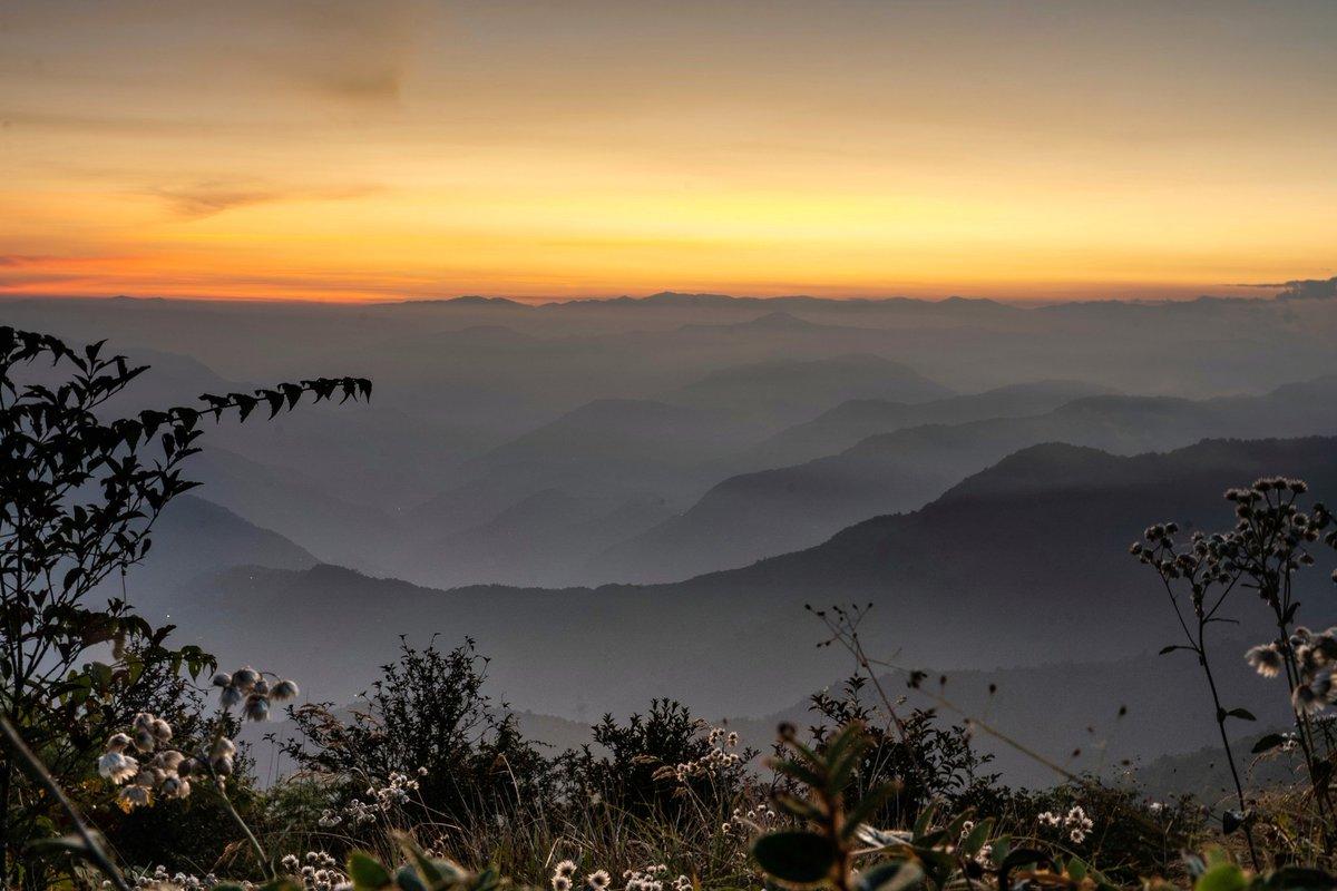 Thank you @Aruiya3 for bringing forth this mesmerizing evening view from Sikkim! #DekhoApnaDesh  @TourismSikkim