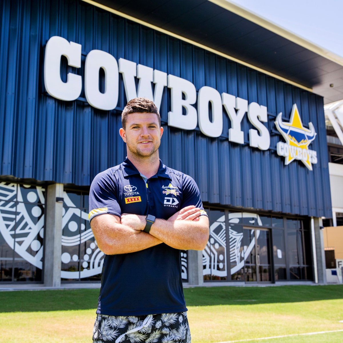 The family and I have arrived in Townsville!   Can't wait to get to work!   #Ridemcowboys @nthqldcowboys