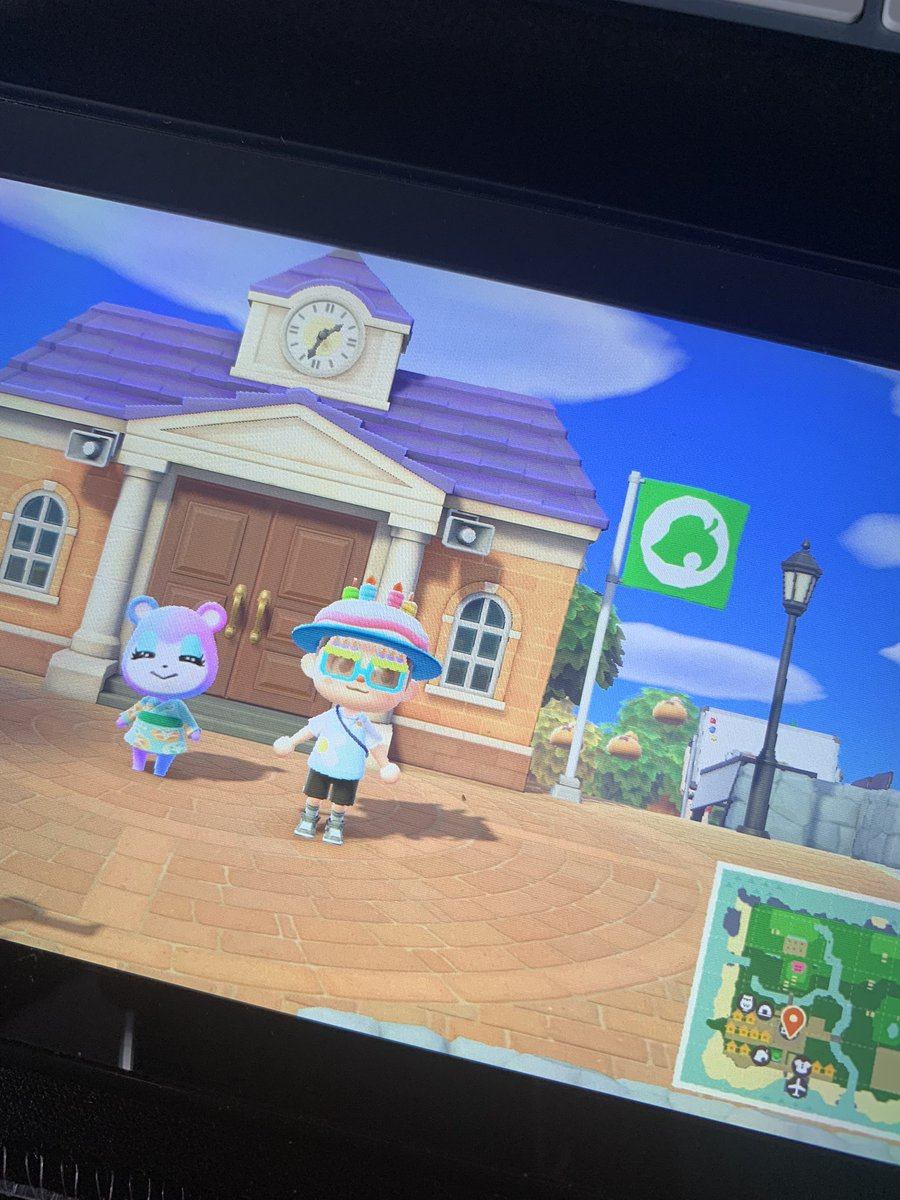 What do I do when servers are down? Me: Running around and have a good time in Animal Crossing 😂