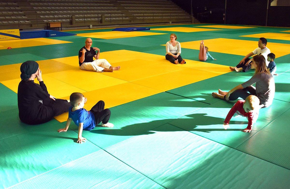 La section judo du club lormontais des arts martiaux propose des ateliers de sensibilisation parent/enfant. L'objectif ? Partager des moments d'échanges, de convivialité et découvrir le judo en famille !#Lormont #judo #sport #parents #enfants #loisirs #activites #Gironde https://t.co/wF0sTwii0D