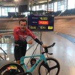 Image for the Tweet beginning: El ciclista sabadellenc @PepTatche bat