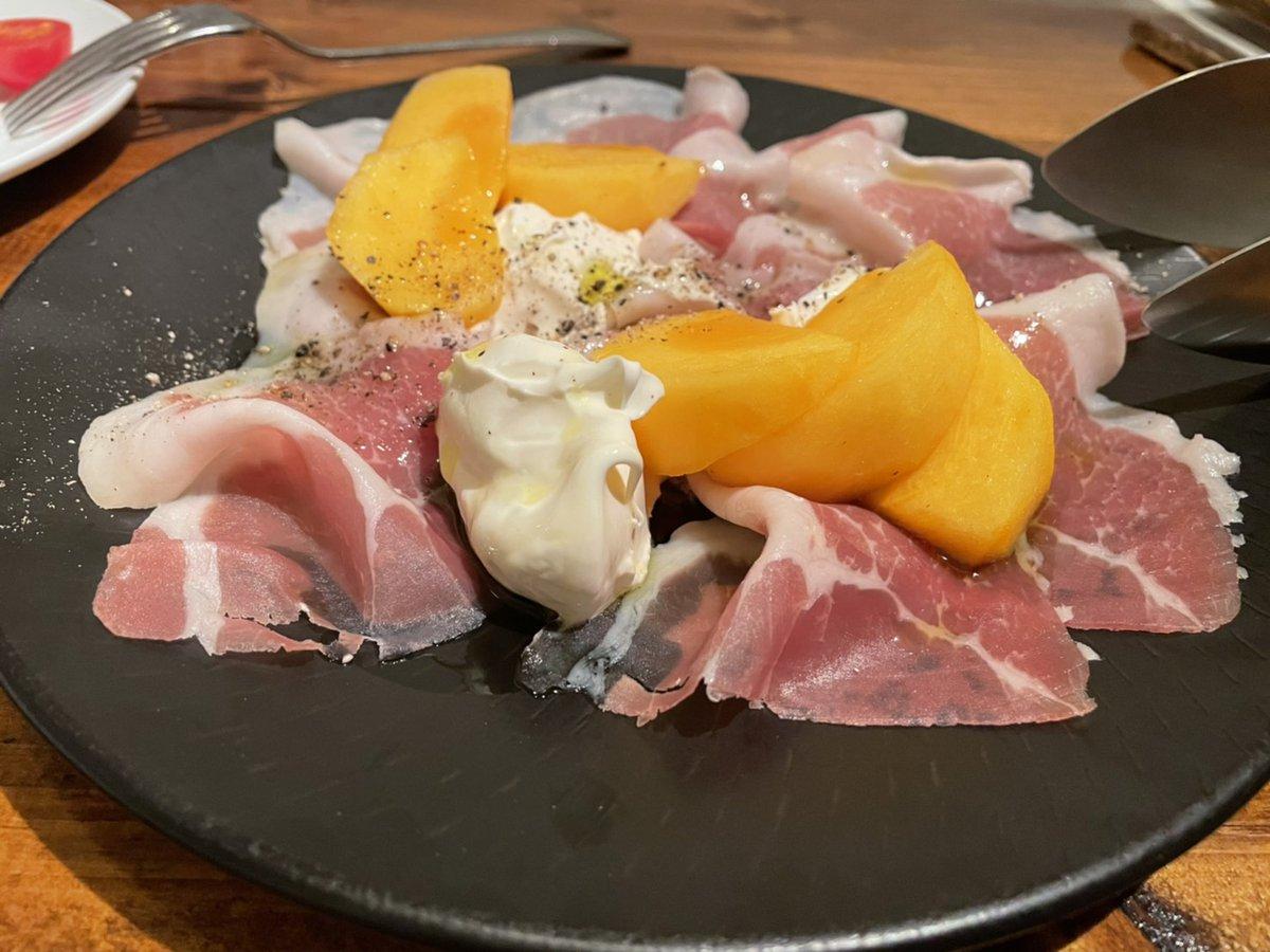 卵もゼラチンも使ってないのに固まる不思議!素朴な味わいが魅力の「柿プリン」のレシピ!