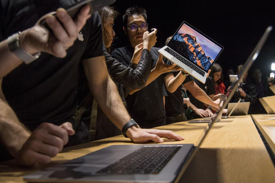 New Apple Leak Reveals Stunning MacBook Pro Update