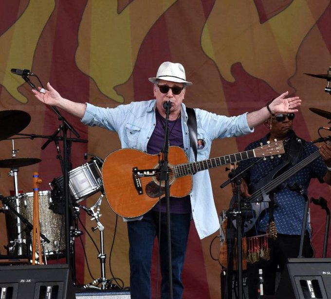 Happy 80th birthday to Paul Simon, pictured here at the 2014