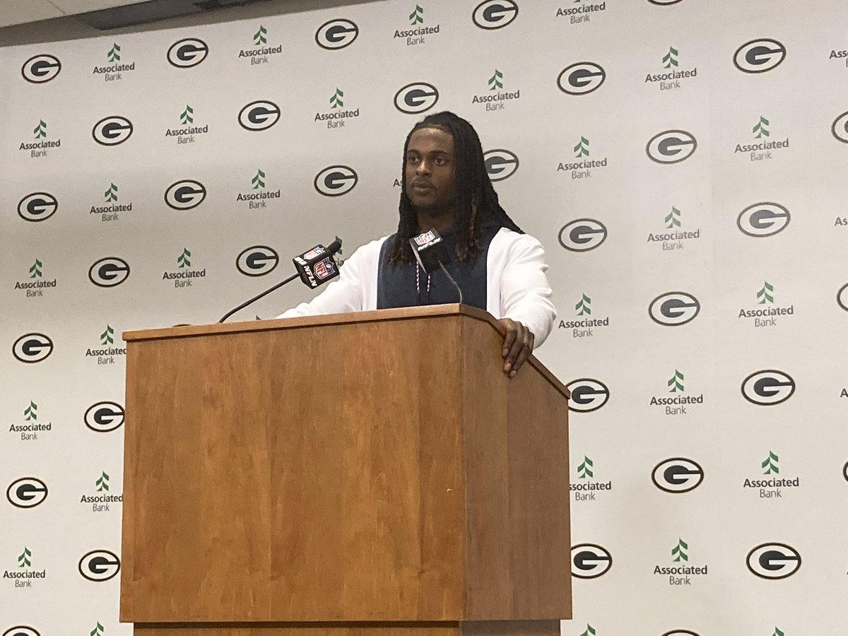 """RT @mattschneidman: Davante Adams asked about the Packers-Bears rivalry: """"I hate everybody that I play against."""" https://t.co/SesR1EpS9T"""