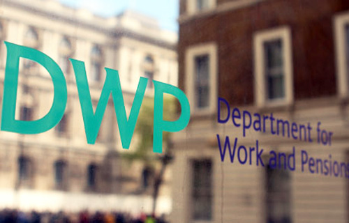 DWP dumps on benefit watchdog and ignores plea for more help for victims of domestic violence dlvr.it/S9V61H