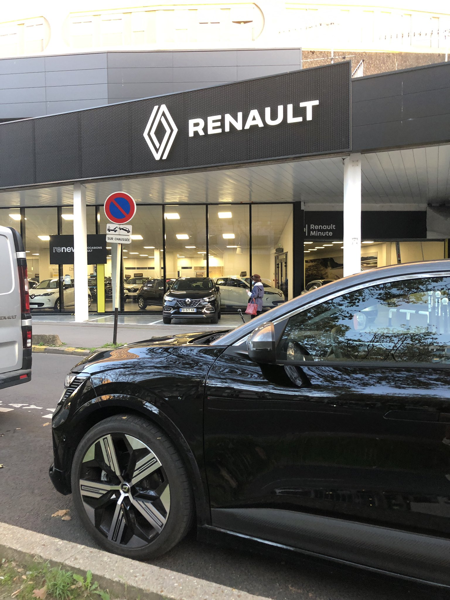 2021 - [Renault] Mégane E-Tech Electric [BCB] - Page 15 FBmNHvlWYAof82O?format=jpg&name=large