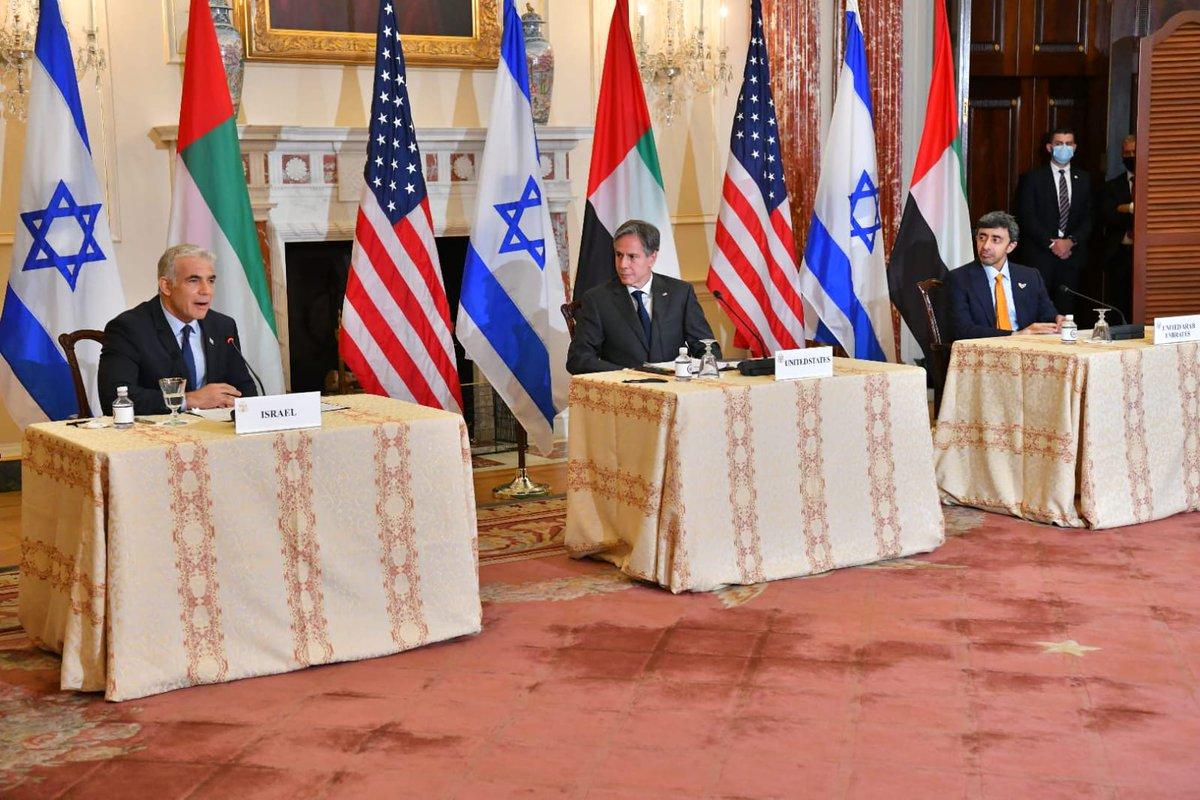 وقال لبيد على هامش مؤتمر صحفي مشترك مع نظيره الأمريكي @SecBlinken والإماراتي