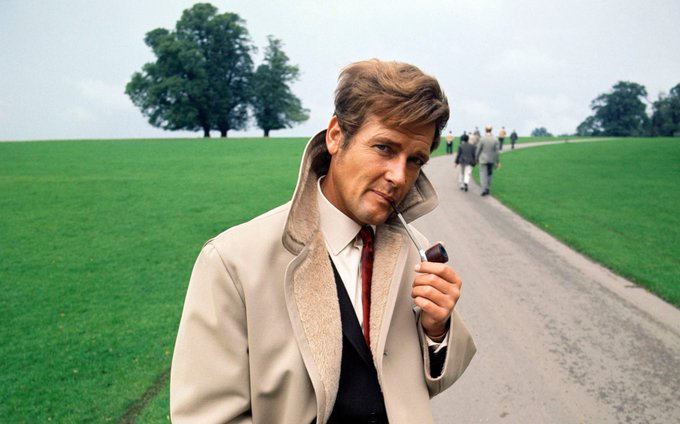 My first Bond and my favorite Q share a birthday, what joy! Happy birthday Sir Roger Moore and Ben Whishaw!