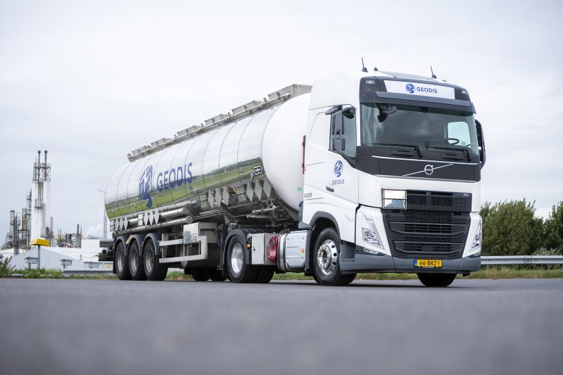 test Twitter Media - https://t.co/xUErs0jpvf GEODIS RT Netherlands gaat voor groen tanktransport met Volvo LNG. Transportbedrijf GEODIS RT Netherlands breidt zijn wagenpark uit met twee Volvo FH 460 LNG 4x2-trekkers. Het zijn de eerste LNG-trucks uit een serie van mogelijk twaalf. GEODIS RT.......... https://t.co/8BWAXFhkpg