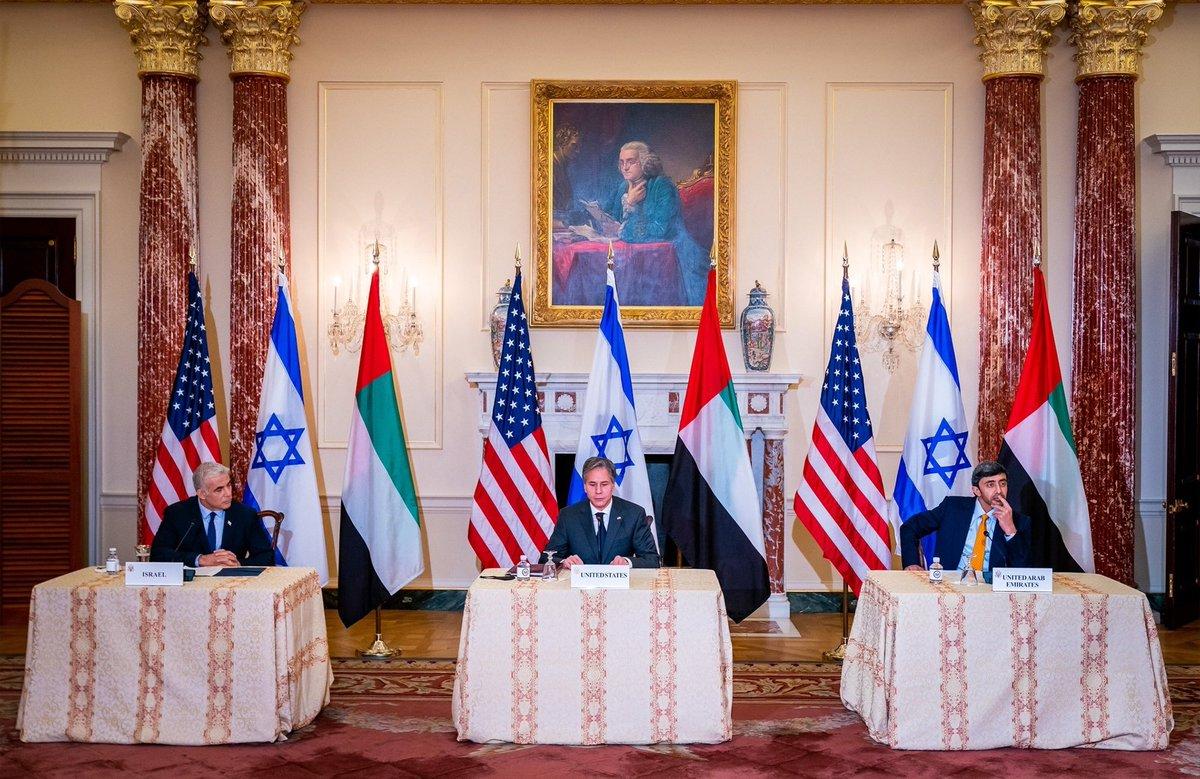 كانت نتائج لقاء سمو الشيخ @ABZayed وزير الخارجية والتعاون الدولي لدولة الإمارات مع وزيري خارجية كل من…