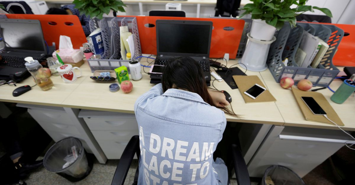 Chinese tech workers disclose working hours in criticism of '996'
