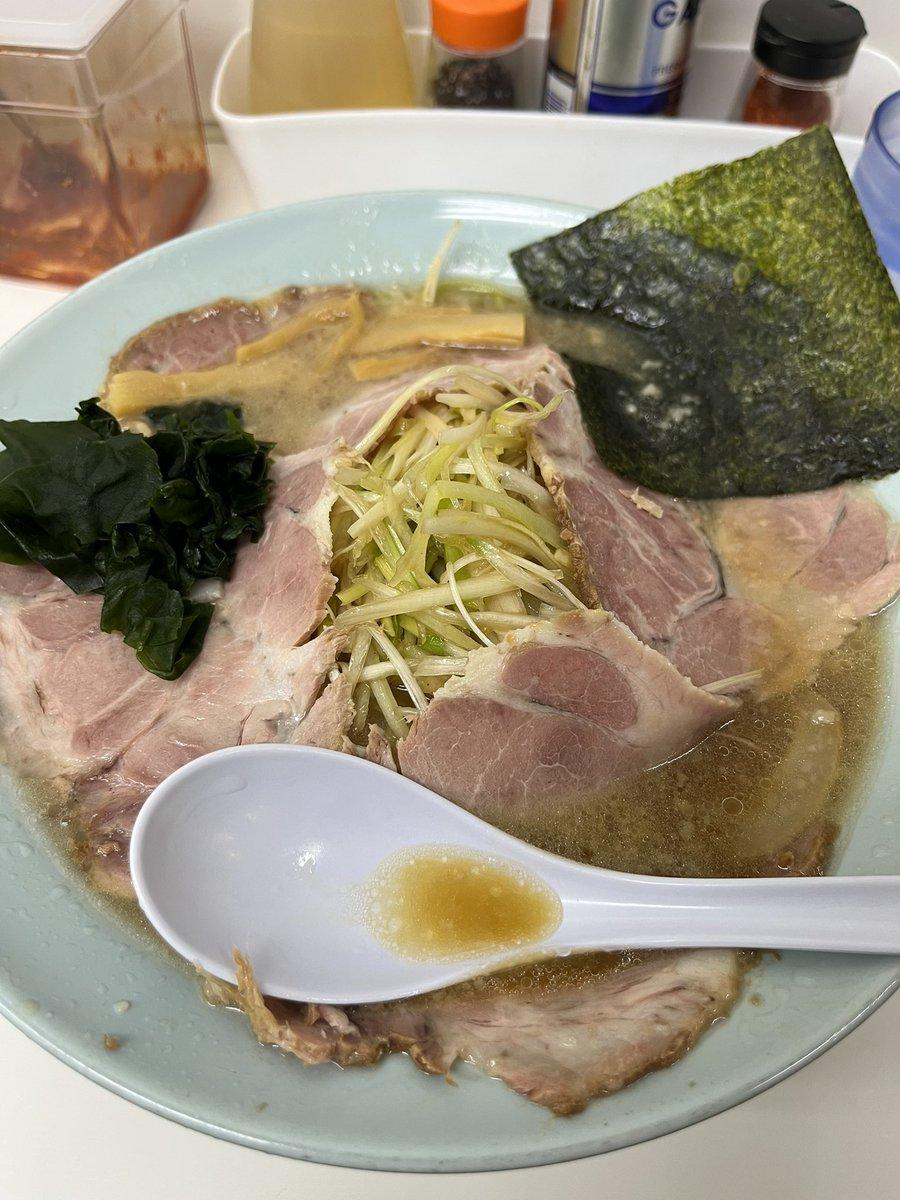 つばき食堂@小金井 ネギチャーシュー。ネギはみんなの味方! #ラーショ #ラーメンショップ #ネギチャーシュー #ネギラーメン #つばき食堂 #小金井