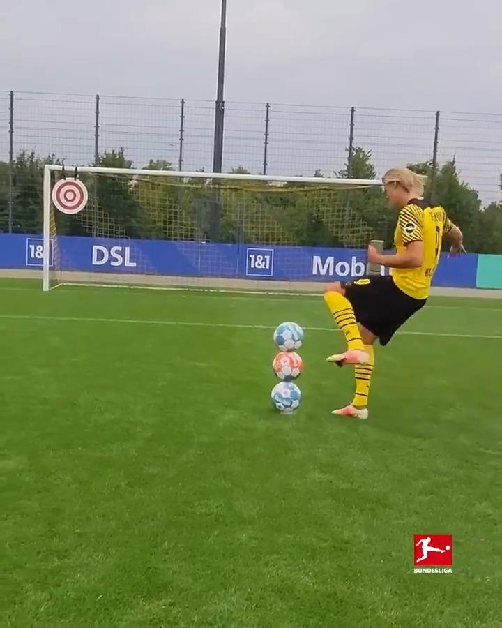 Unreal Soccer Trick Shot 🤯