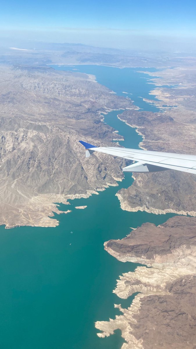 Tell me climate change isn't real… Lake Powell c. 2019 #traveloften #travelcouple #windowseat https://t.co/mbFCJYw2sD