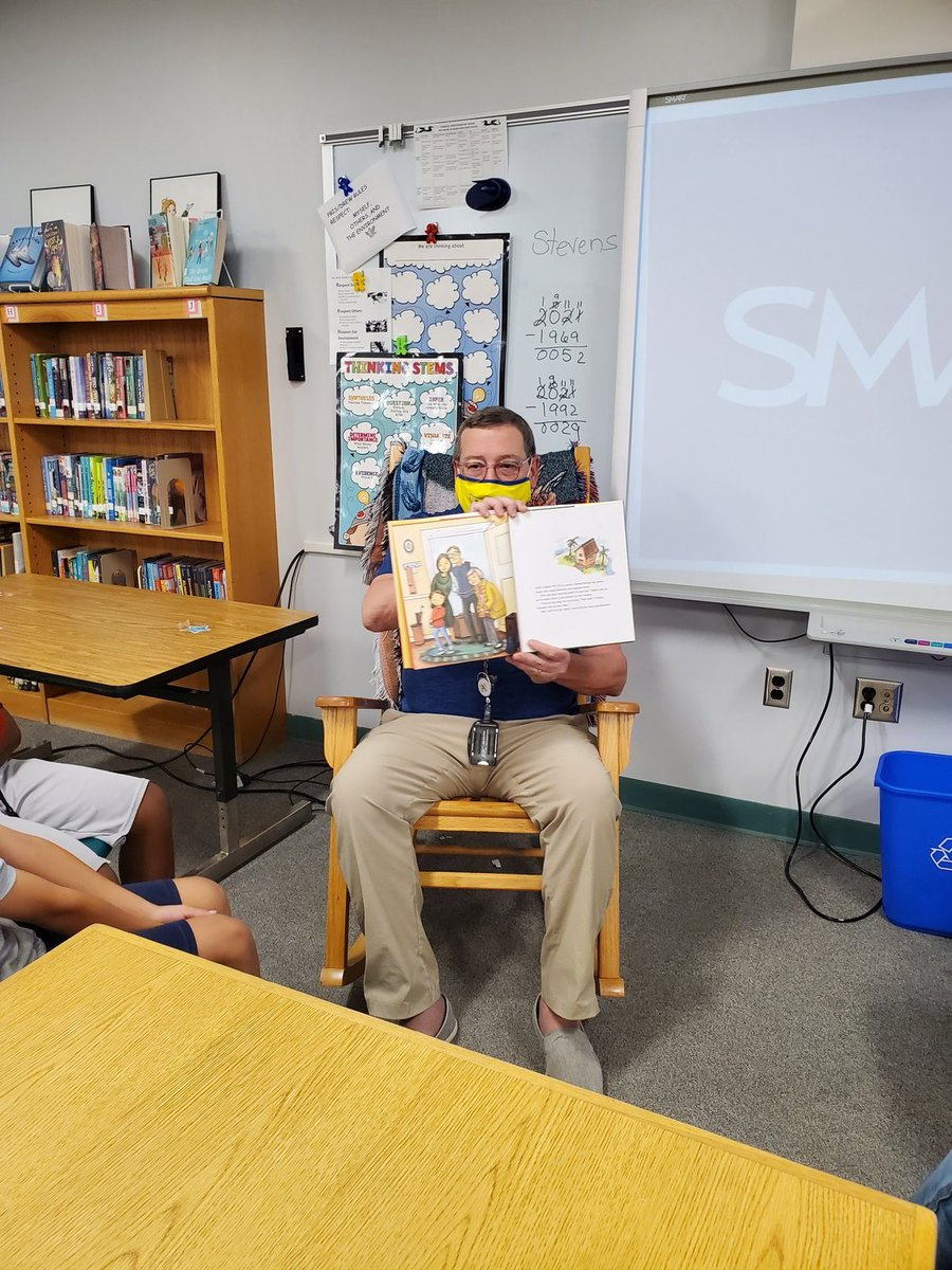 Thank you to APS School Board member Reid Goldstein for being a part of our Hispanic Heritage Read In Event at Drew Elementary.   Our third graders love Meg Medina's books. <a target='_blank' href='http://twitter.com/ReidForSchools'>@ReidForSchools</a> <a target='_blank' href='http://twitter.com/DrewPTA'>@DrewPTA</a> <a target='_blank' href='http://twitter.com/APSDrew'>@APSDrew</a> <a target='_blank' href='http://twitter.com/APSLibrarians'>@APSLibrarians</a> <a target='_blank' href='http://twitter.com/APSVaSchoolBd'>@APSVaSchoolBd</a> <a target='_blank' href='https://t.co/k6NQsoatKw'>https://t.co/k6NQsoatKw</a>