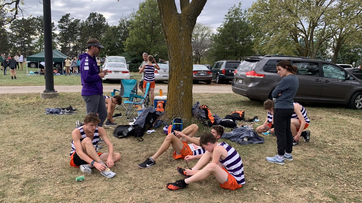 #DundeeSports: Looking to run XC in high school? Look no further than our very own @OPSCentralHigh @OPSCHSBoysXC! #DowntownHigh #CrossCountryHigh https://t.co/I68EH0RMg8 https://t.co/tm7318FZfX