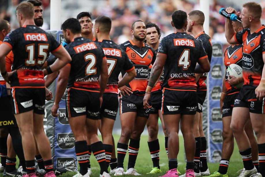 As I said yesterday @9_Moley  bro.  Macca is back 😂😂 What a genius decision by the @WestsTigers  Harti made good changes to the club , fixing the things Macca never could yet here they are