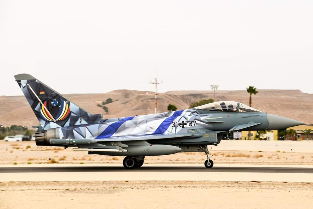 سلاح الجو الإسرائيلي يعلن عن زحمة طائرات حربية الأكثر تقدمًا في سماء إسرائيل