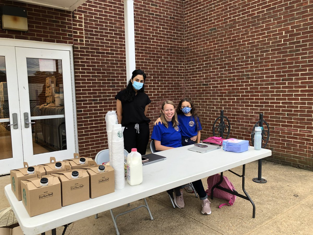 Enjoy a cup of coffee outside by Door 7 while you join the Barrett PTA <a target='_blank' href='http://twitter.com/BPTAE'>@BPTAE</a> <a target='_blank' href='http://search.twitter.com/search?q=KWBPride'><a target='_blank' href='https://twitter.com/hashtag/KWBPride?src=hash'>#KWBPride</a></a> <a target='_blank' href='https://t.co/bLw8RhRg3C'>https://t.co/bLw8RhRg3C</a>