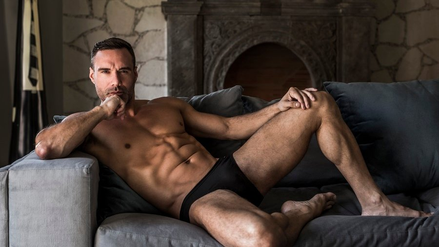 Our FEATURED MALE Star For This Week is Hot Versatile Daddy MANUEL SKYE ! You Can Read ALL About Him HERE on the AEBN GAY BLOG ! bit.ly/3DEg95i @ManuelSkyexxx
