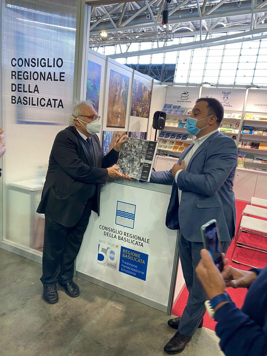 Salone Libro Torino, lo stand del Consiglio una pi...