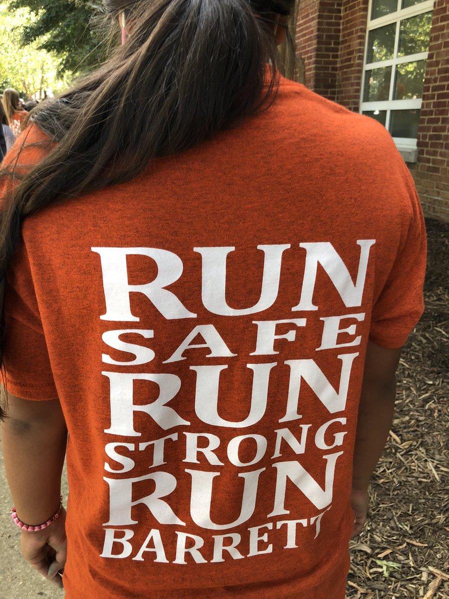 It's Friday after school and time for Barrett Runners! Beautiful day for students, teachers, staff and parents to run together! <a target='_blank' href='http://search.twitter.com/search?q=KWBPride'><a target='_blank' href='https://twitter.com/hashtag/KWBPride?src=hash'>#KWBPride</a></a> <a target='_blank' href='http://search.twitter.com/search?q=community'><a target='_blank' href='https://twitter.com/hashtag/community?src=hash'>#community</a></a> <a target='_blank' href='http://search.twitter.com/search?q=APSisAwesome'><a target='_blank' href='https://twitter.com/hashtag/APSisAwesome?src=hash'>#APSisAwesome</a></a> <a target='_blank' href='http://twitter.com/APSVirginia'>@APSVirginia</a> <a target='_blank' href='http://twitter.com/APSVaSchoolBd'>@APSVaSchoolBd</a> <a target='_blank' href='https://t.co/QJer2KS5Ee'>https://t.co/QJer2KS5Ee</a>