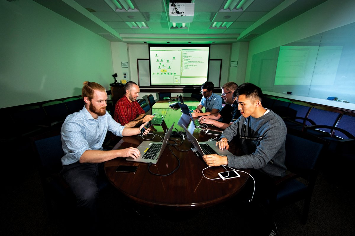 Do you thrive as an engineer intersecting your technical knowledge with meeting goals, scopes, and deadlines? We're looking for a qualified Associate Program Manager with an engineering, physics, or technology development background to join our team. careers.ll.mit.edu/job/Lexington-…