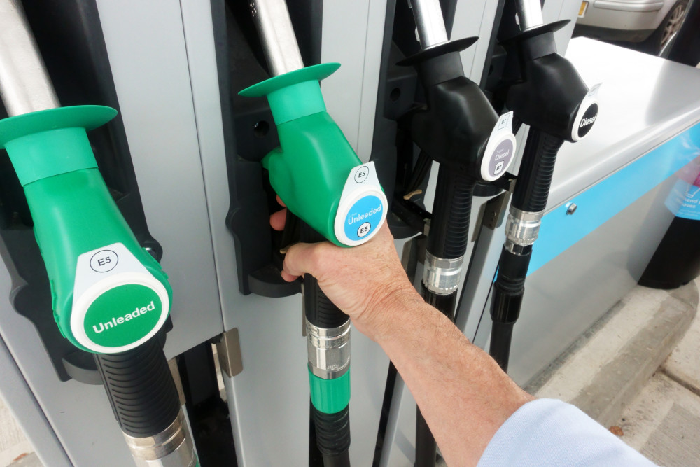 Price of a litre of petrol reaches highest level in nine years https://t.co/D5xTiJeO9t https://t.co/2PpuypvTvx
