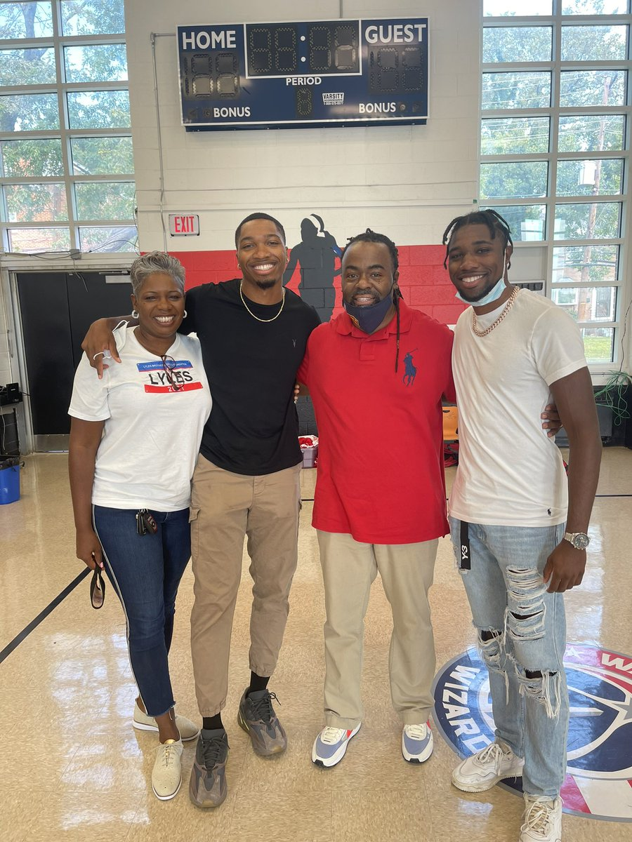 Had the pleasure and honor to receive a visit from my extended family @LylesNoah and @josephus_lyles @adidasrunning My kids had a blast asking questions @HendleyES @joindcps