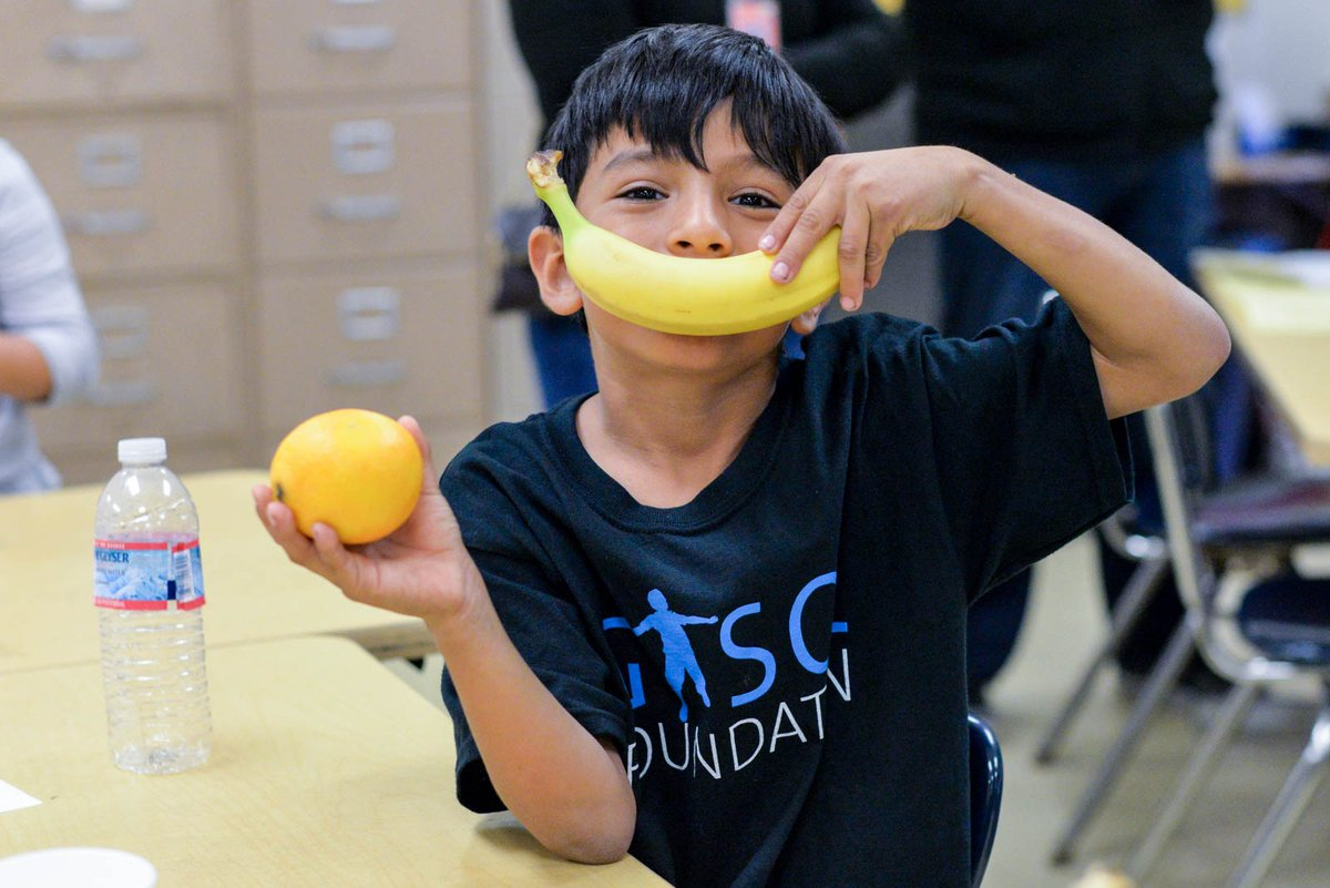 Happy #WorldFoodDay!🍎🥦🍊🍌🥗 Healthy eating is one of the four pillars of the #HealthyGalaxy that we enjoy sharing in our family programs. What is your favorite healthy food? 👀 Let us know!👇
