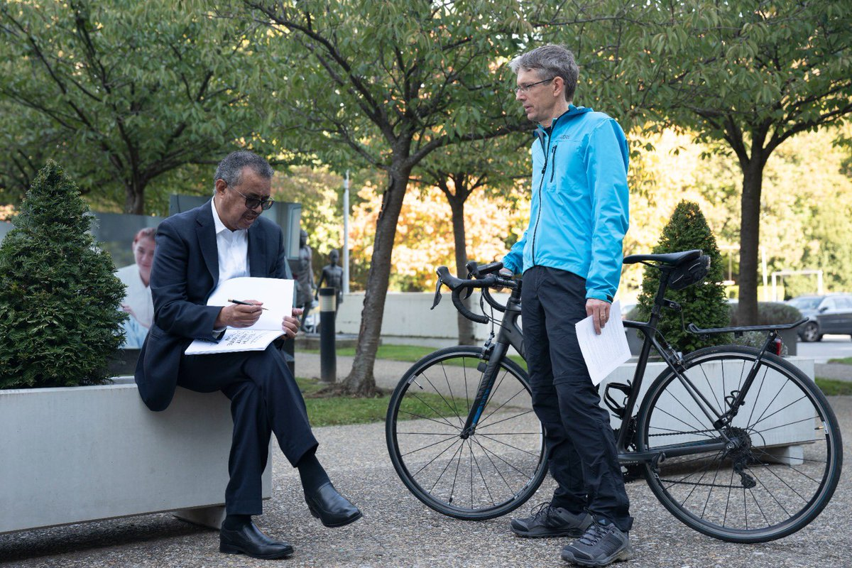 Today, @DiarmidCL - WHO #ClimateChange and Health Lead Scientist, started his 🚴 ride from Geneva 🇨🇭 to London 🇬🇧, ahead of #COP26 in Glasgow, carrying with him latest report on how #ClimateAction can protect our health, and the letter signed by @DrTedros and 45 million 👩⚕️.
