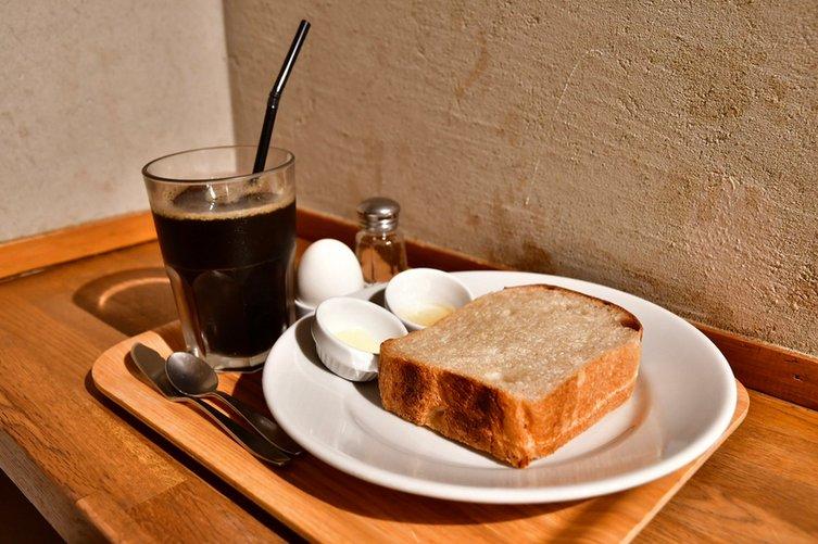 オサレな空間と、美味なトースト&コーヒー。モーニングスポットとしても有用なカフェ  in 池袋東口  #tabelog