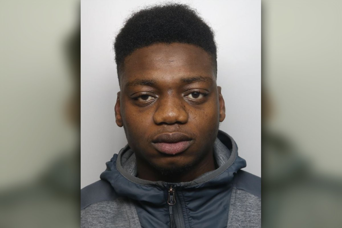 A #Buxton drug dealer has been jailed after admitting supplying heroin and cocaine in the town – as well as his part in a burglary: bit.ly/3patqPh