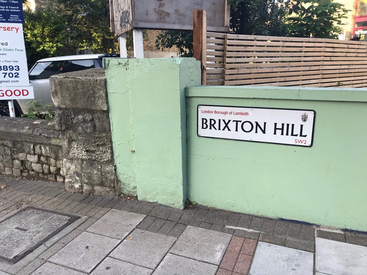 Did a thing! Inspired by a couple of mentions in @Calthalas' fabulous recent book, I went looking (metaphorically, even I'm not that much of an optimist) for the possible #Roman milestone that gave its name to #Brixton. You can read all about it in latest @surreyarch Bulletin 👀